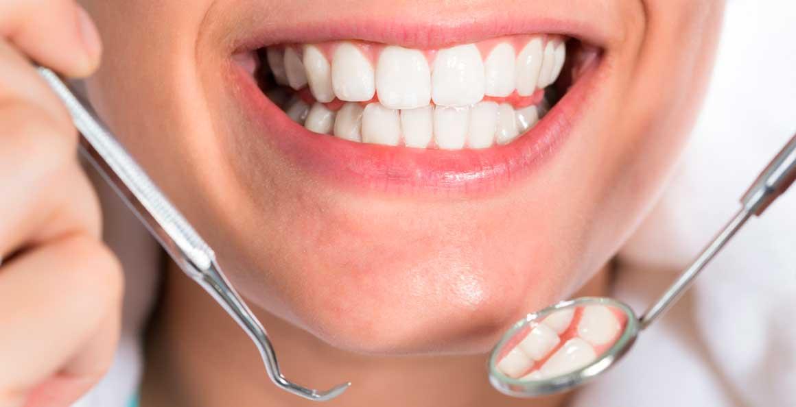 Наращивании зубов